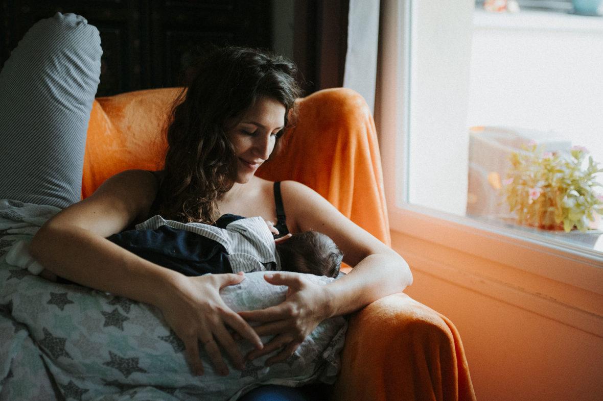 séance nouveau né à domicile - grasse - elleseteuxphotographie - photographe lifestyle - french riviera - geneva - cannes